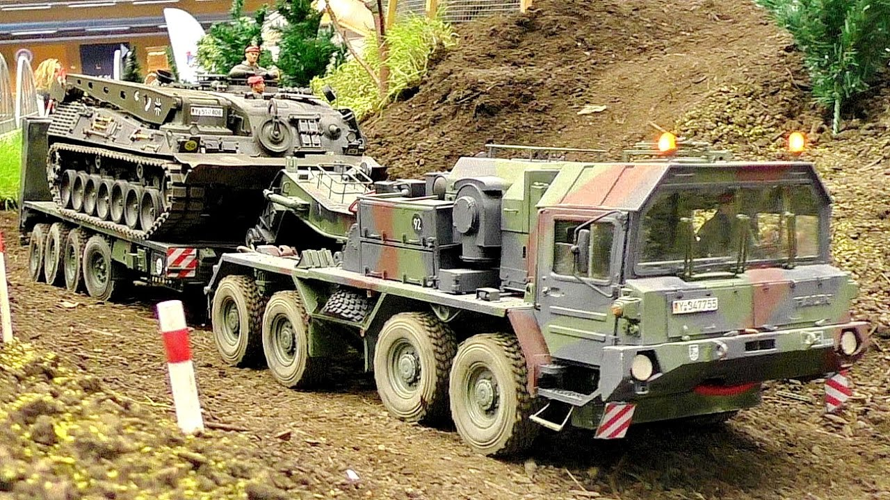 "AWESOME RC SCALE ARMY MODEL TRUCK ""FAUN SLT ELEFANT"" WITH TANK TRANSPORT IN MOTION"