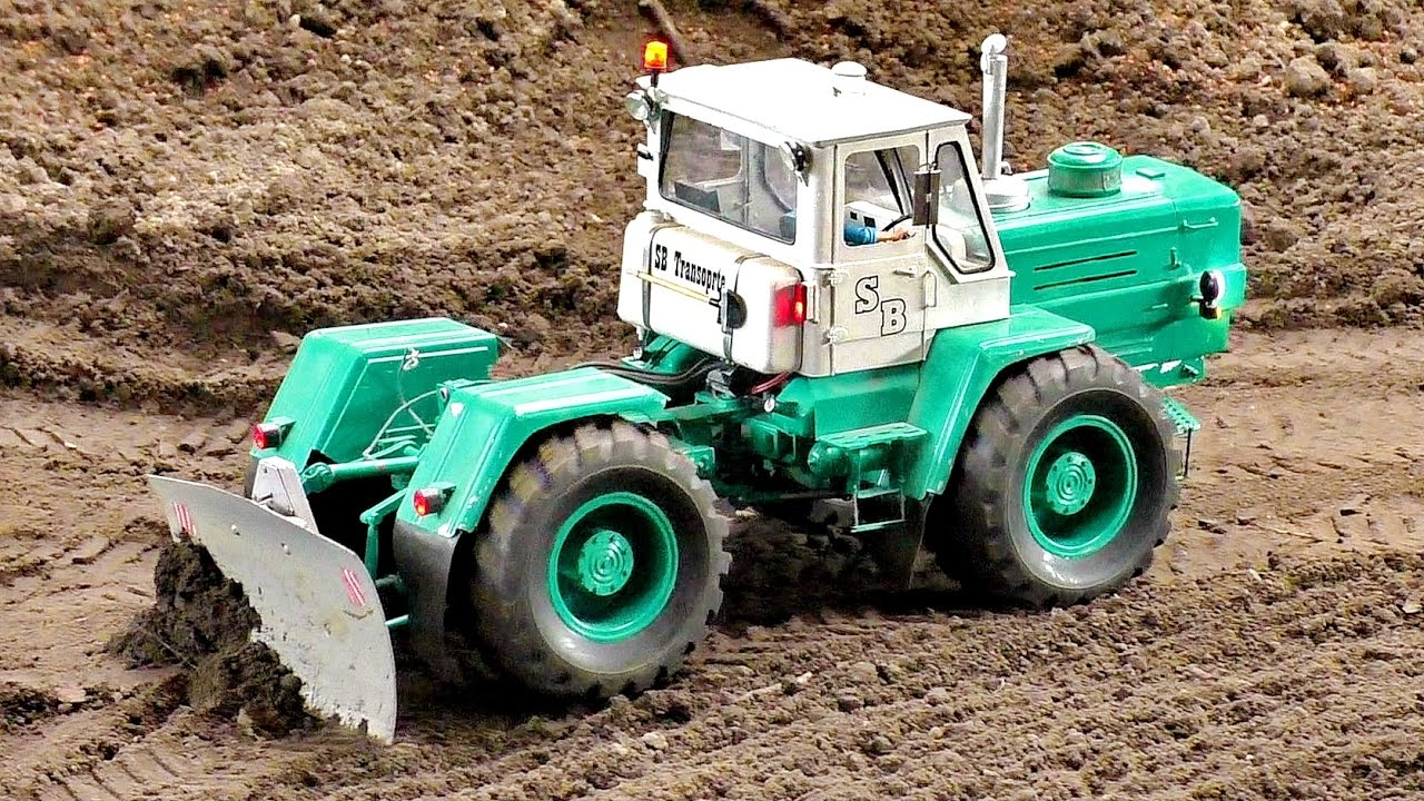 RC RUSSIAN TRACTOR CHARKOW T-150K SCALE 1:16 MODEL AT WORK