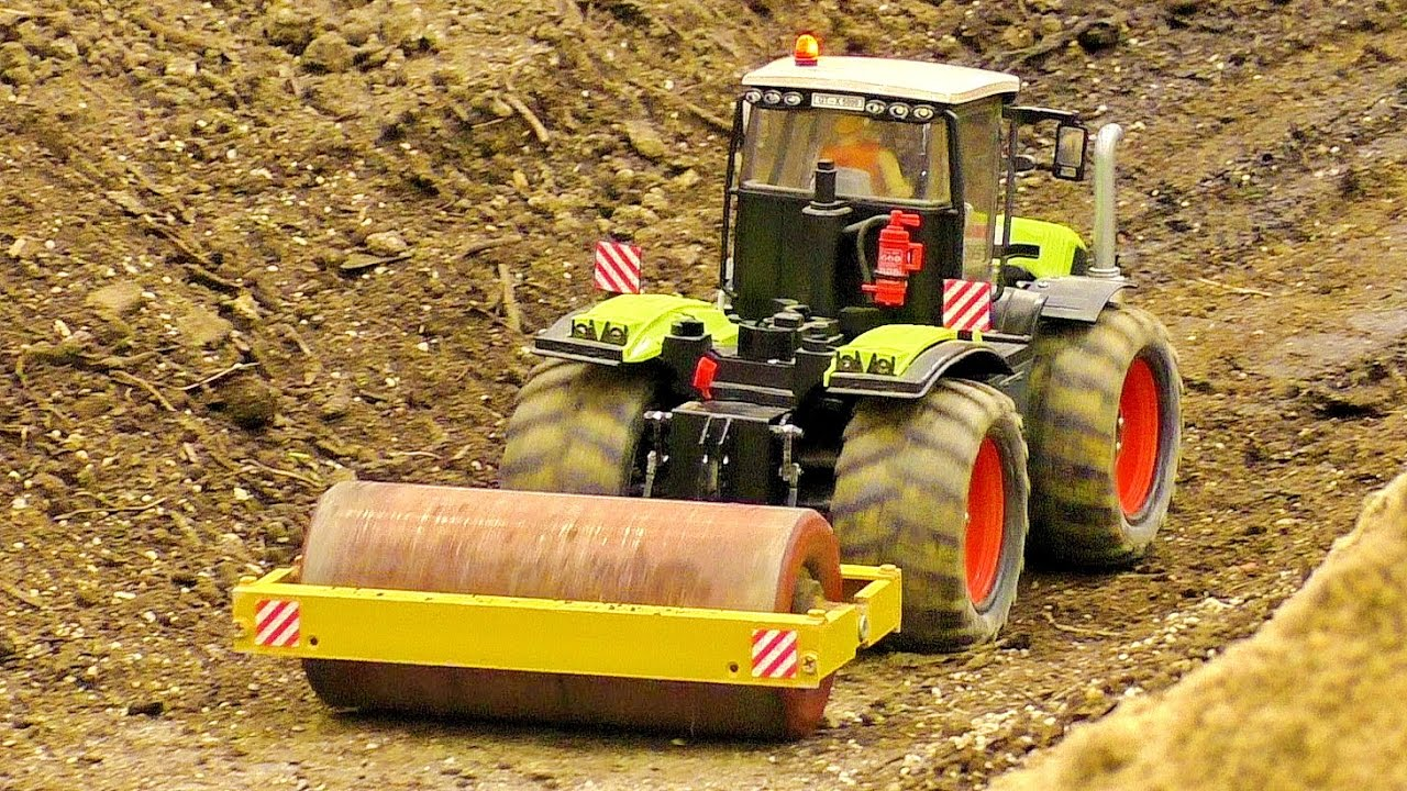 """AMAZING RC SCALE 1:16 modelo """"CLAAS"""" TRACTOR WITH ROLLER AT THE HARD WORK"""