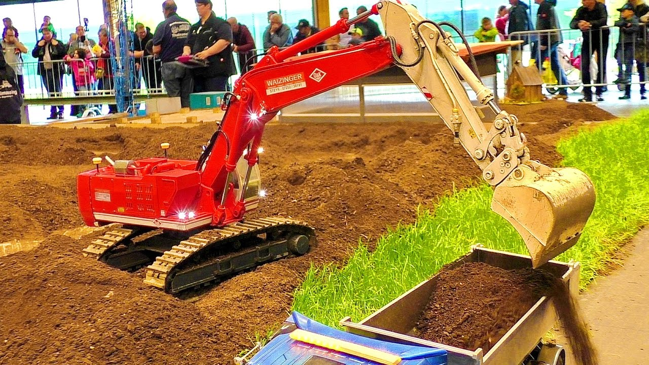 AMAZING DETAIL RC MODEL EXCAVATOR O&K WAIZINGER AT WORK ON THE RC CONSTRUCTION SITE