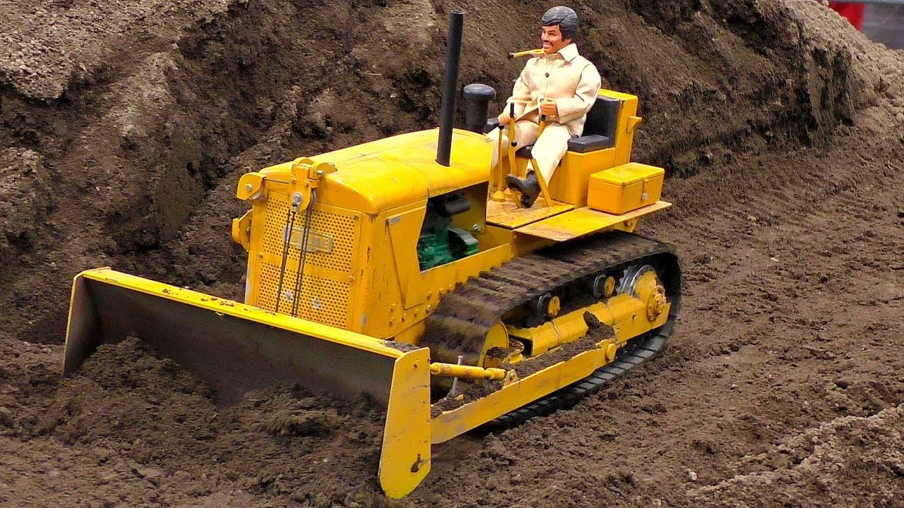 RC MODEL OLDTIMER KAELBLE DOZER AT WORK AMAZINGLY DETAILED MODEL MACHINE IN MOTION