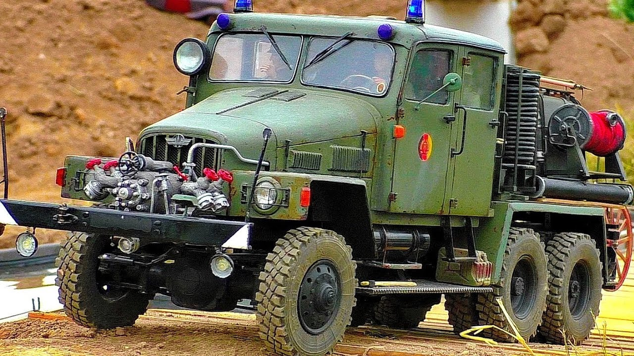 BEAUTIFUL OLD RC DDR GERMAN FIRE DEPARTMENT MILITARY VEHICLE TRUCK IN MOTION