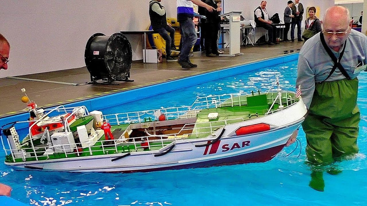 GIGANTIC XXXL RC MODEL SHIPS IN MOTION AWESOME RC SHIPS WITH FASCINATING DETAILS
