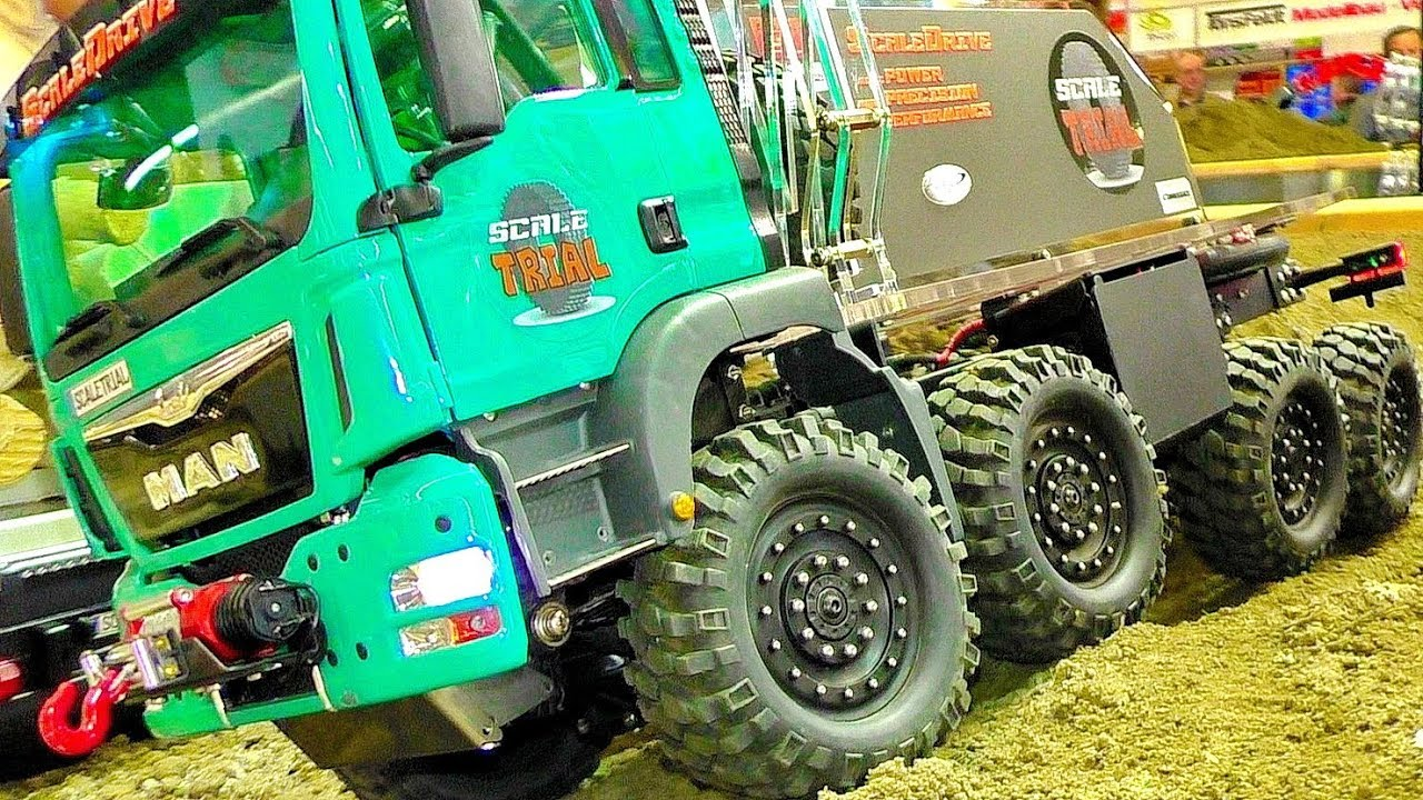 RC OFF-ROAD SCALE TRUCK TRIAL IN MOTION FASCINATIN MODEL IS PRESENTED
