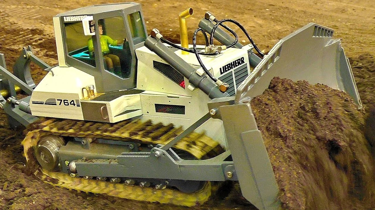 RC SCALE 1:16 MODEL DOZER LIEBHERR 764 AT WORK