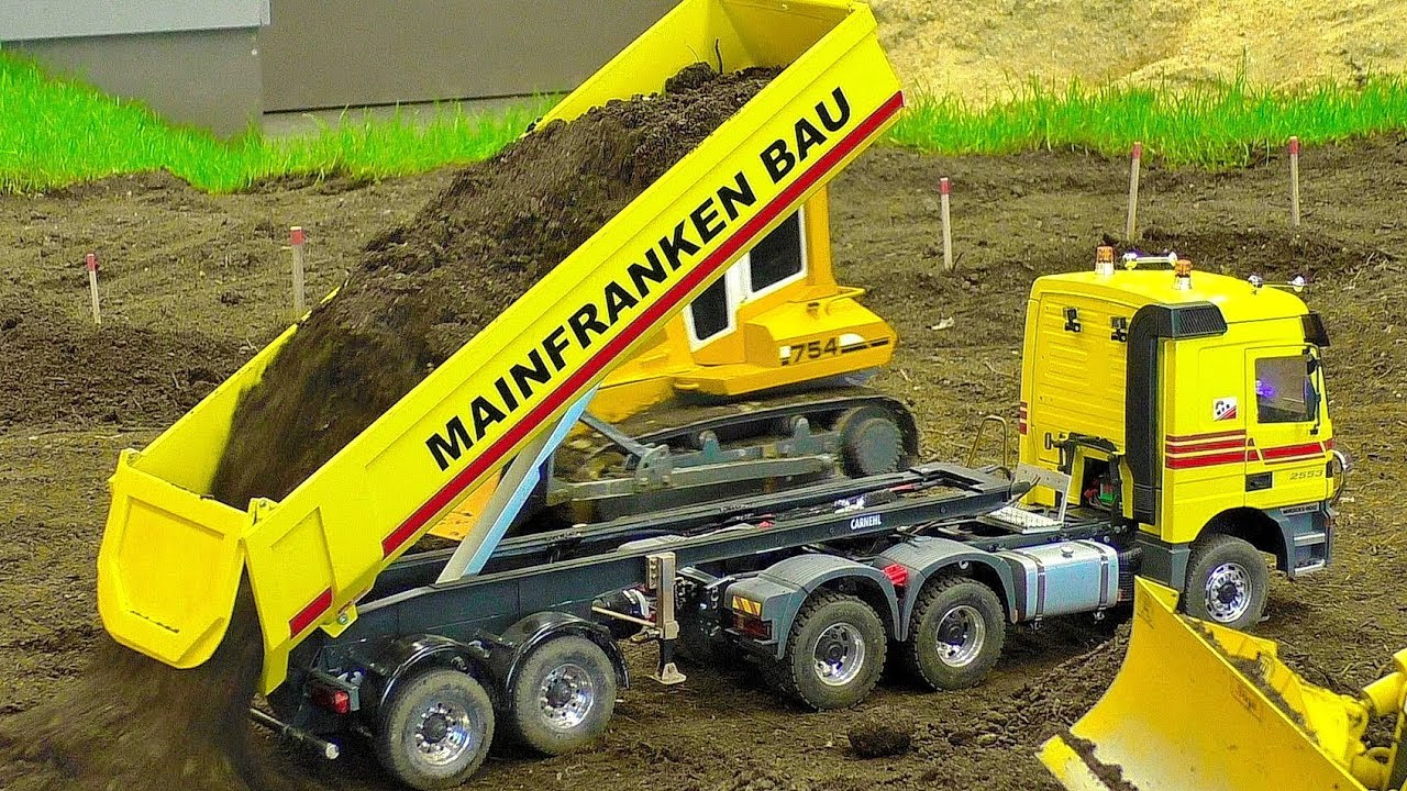 FASCINATING RC MACHINES IN SCALE 1:16 WORKING HARD ON THE RC CONSTRUCTION SITE