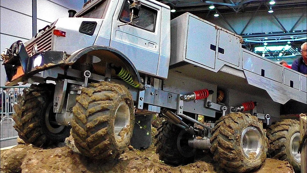 6WD RC MODEL TRUCK IN THE DIRT 6X6 OFFROAD ADVENTURE VERY HARD WORK