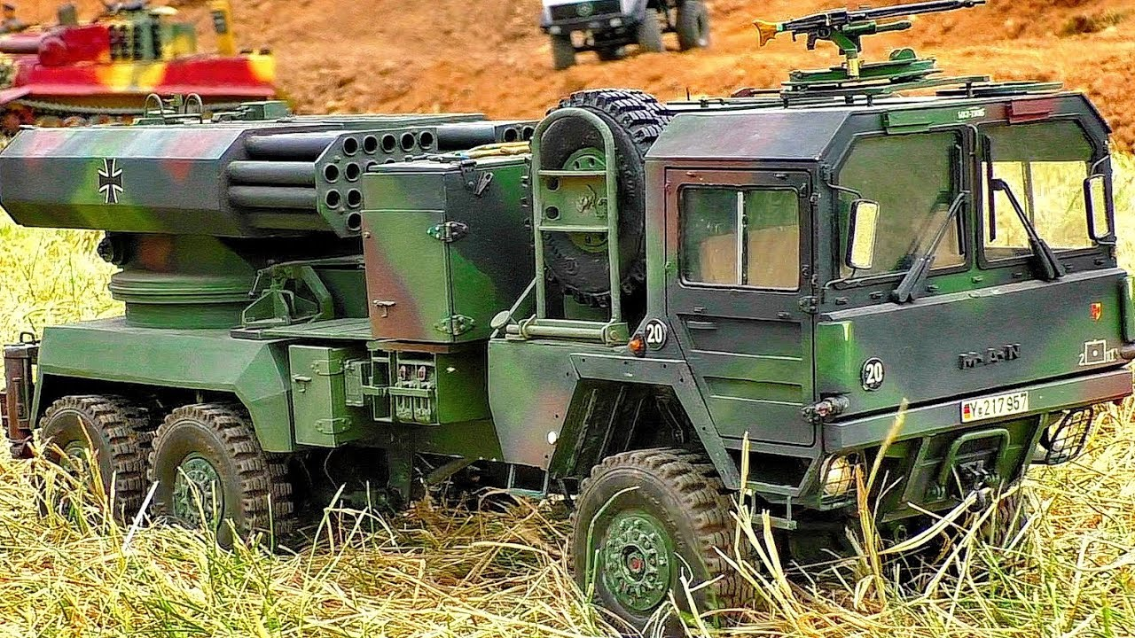 RC MILITARY VEHICLE AMAZING SCALE MODEL TANK WITH LARS-2 ROCKET SYSTEM IN ACTION