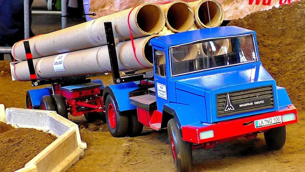 RC MODEL TRUCK MAGIRUS DEUTZ IN SCALE 1:16 AT THE RC CONSTRUCTION SITE AND IN MOTION