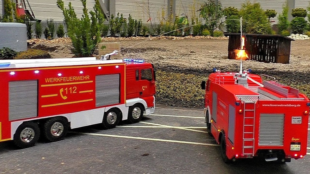 RC MODEL FIRE TRUCKS AT WORK SCALE 1:16 MODELS IN MOTION RESCUE OPERATION