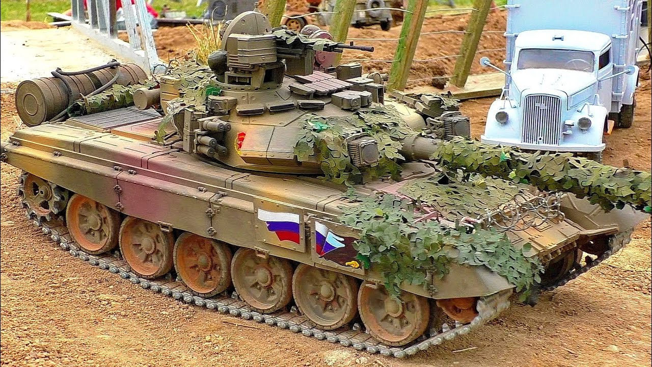 RC MODEL TANK SCALE RC MILITARY VEHILE MODEL ARMY MACHINE OUTDOOR IN MOTION