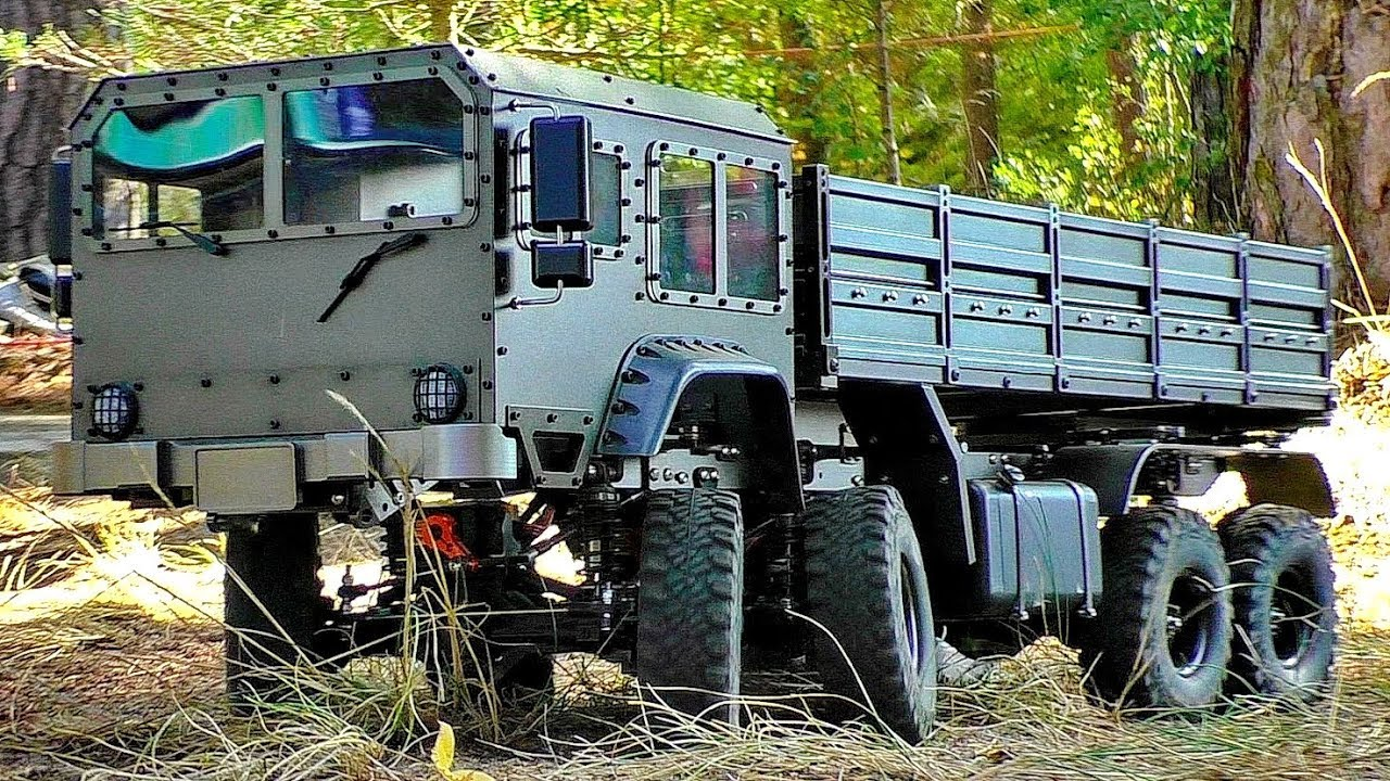 NICE OLD MILITARY VEHICLE GERMAN TRUCK TATRA 8X8 8WD CRAWLER OFFROAD OUTDOOR ARMY LKW IN MOTION