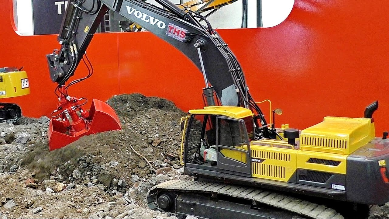 RC MODEL EXCAVATOR VOLVO THS EC480D IN SCALE 1:14 PRESENTATION / Intermodellbau Dortmund 2016