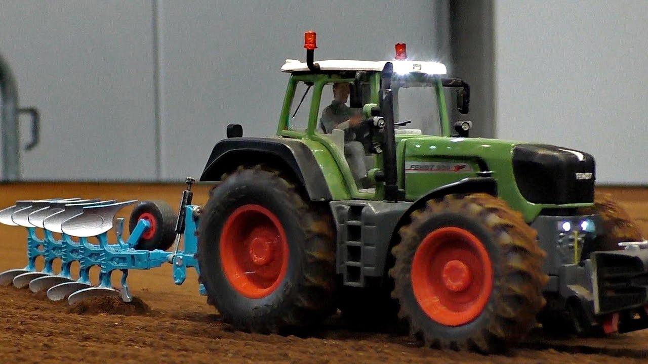 RC SIKU CONTROL ACTION IN SCALE 1:32 / Modell-Hobby-Spiel Leipzig 2016