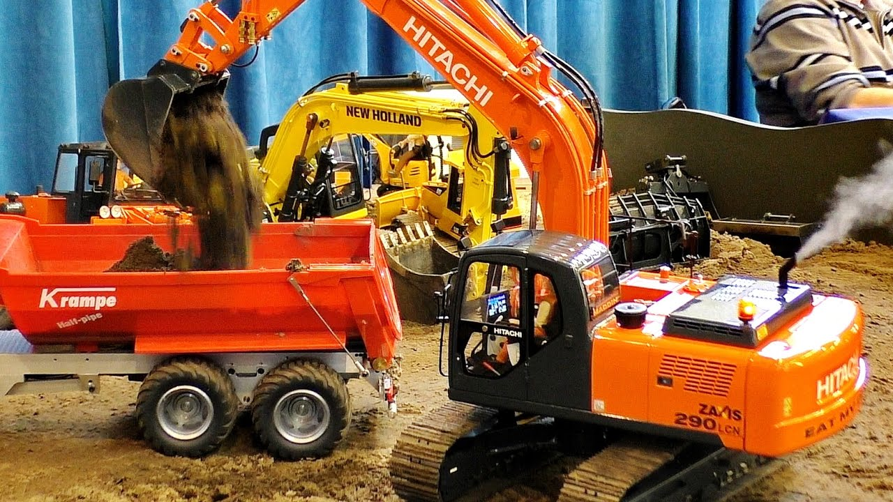 RC MODEL EXCAVATOR HITACHI ZAXIS 290 LCN IN SCALE 1:14 AMAZING DETAIL / Intermodellbau Dortmund 2016