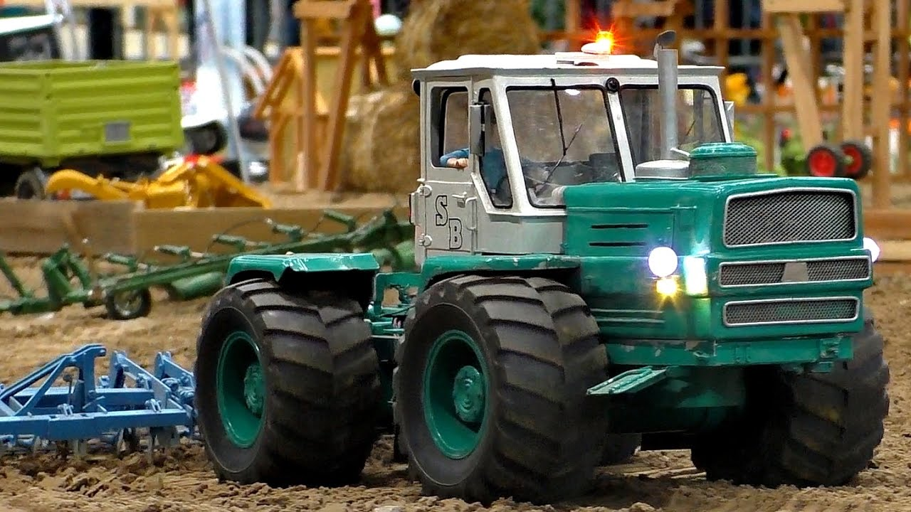RC RUSSIAN TRACTOR CHARKOW T-150K SCALE 1:16 MODEL AT WORK / Fair Leipzig 2016