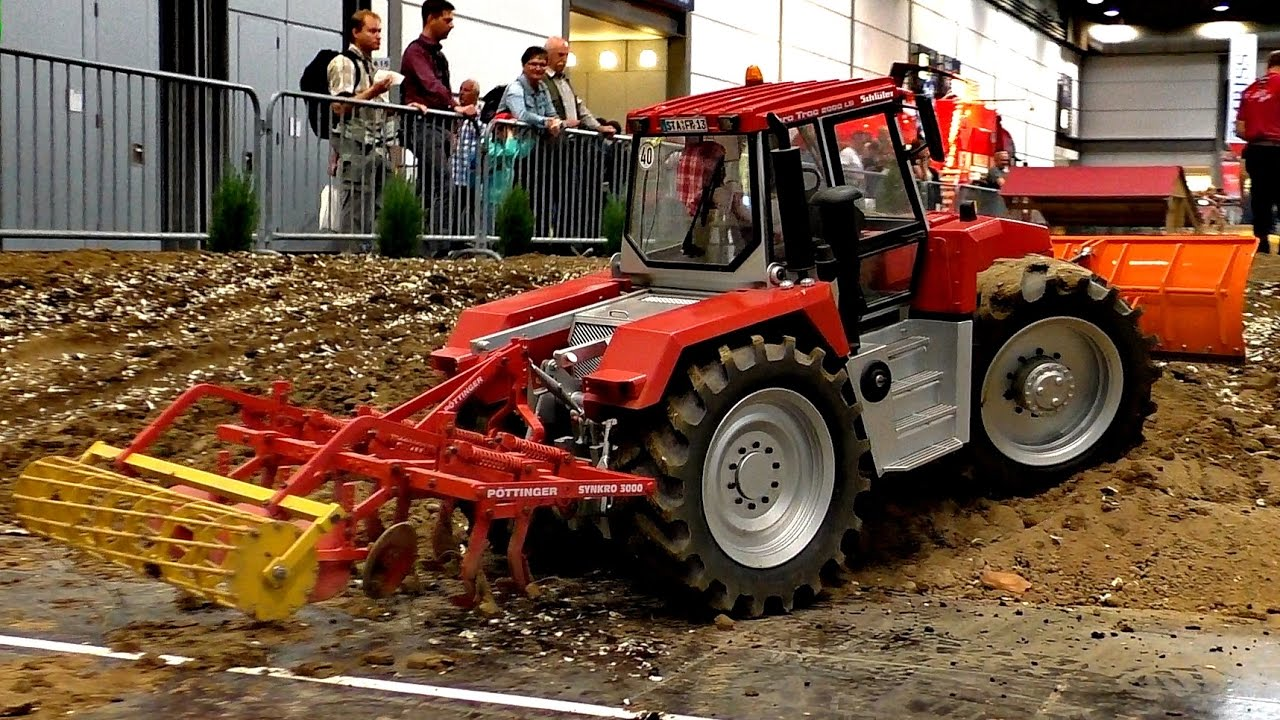 RC MODEL TRACTOR EURO TRUC 2000-LS WITH PÖTTINGER SYNKRO 3000 / Fair Leipzig 2016