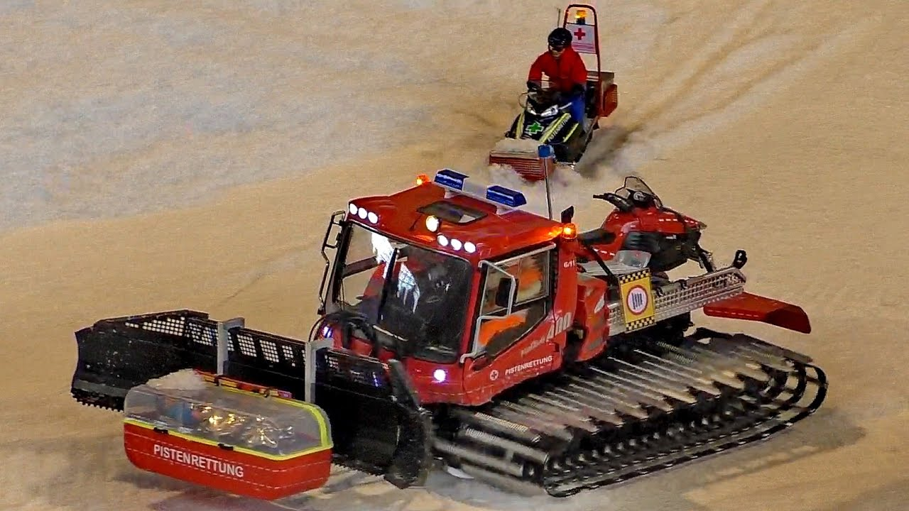 RC WINTER ACTION PISTENBULLY AND SNOW MACHINES WORKING HARD / Faszination Modellbau 2016