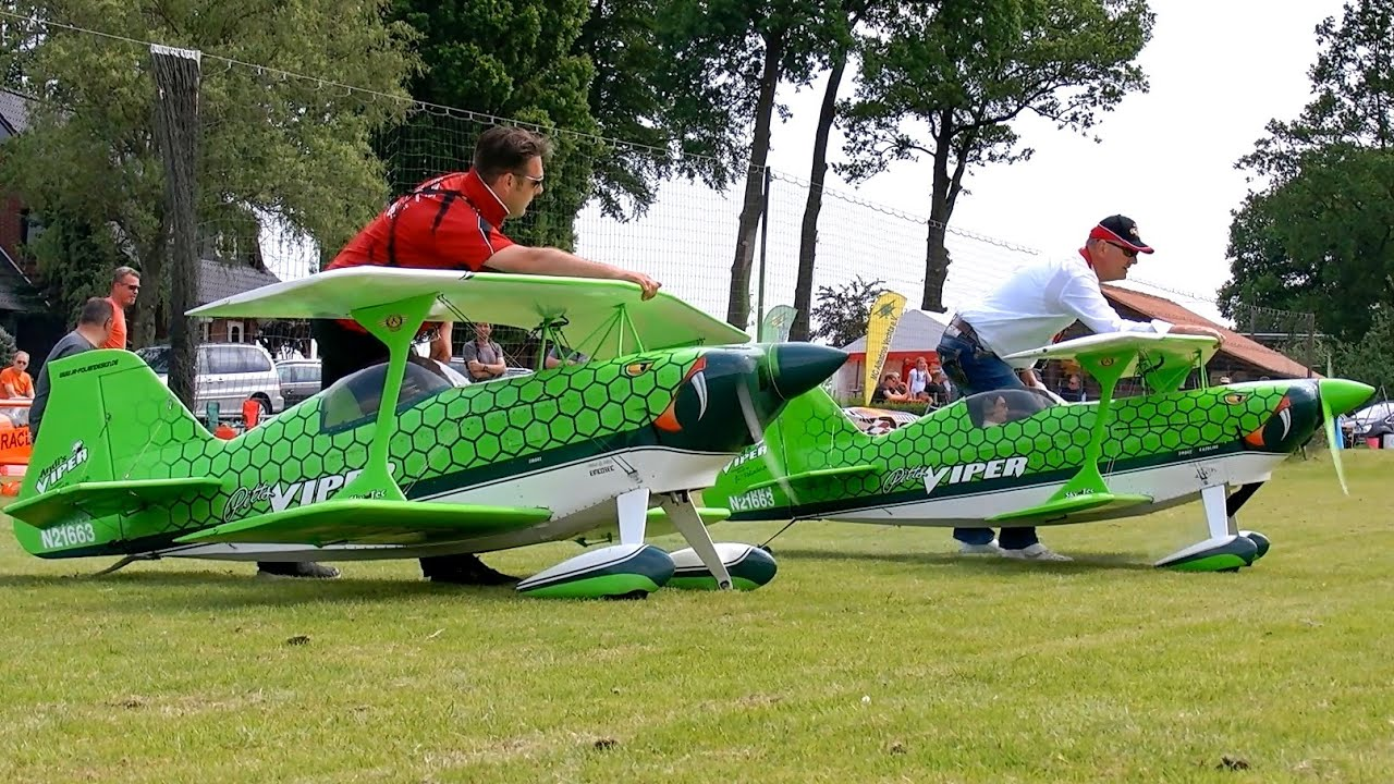 2X PITTS VIPER GIGANTIC XXXL SCALE 1:2 MODEL SYNCHRO FLIGHT / Pitts Meeting Vechta Germany 2016