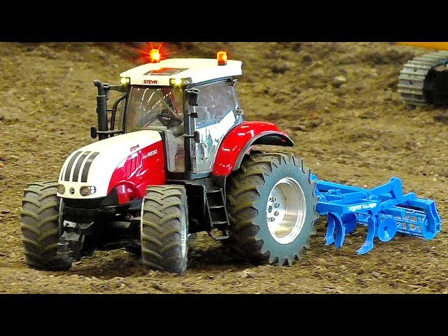 RC STEYR CVT-6230 TRACTOR IN ACTION SCALE 1/16 AMAZING RC MODEL MACHINE AT WORK
