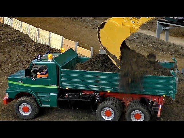 RC CONSTRUCTION SITE EARTHWORK WITH RC CONSTRUCTION MACHINES / Faszination Modellbau 2016