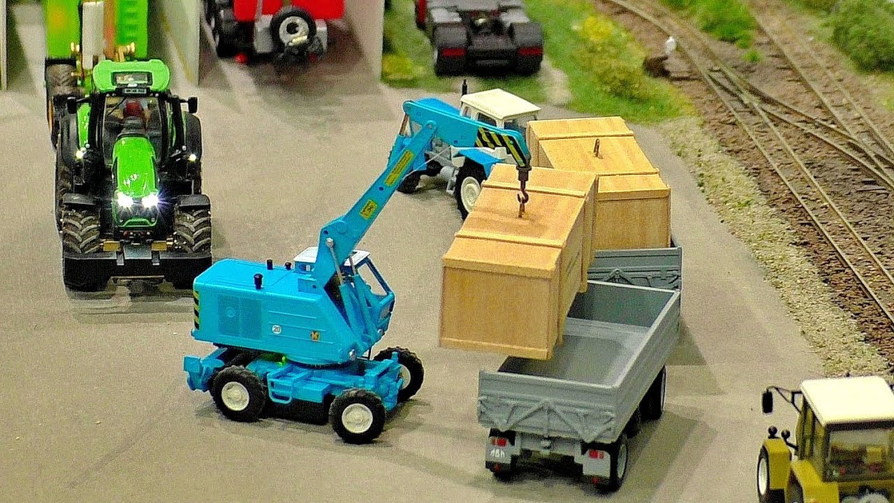 MINIATURE MICRO RC MODELS IN SCALE 1:87 ON A DIORAMA WITH AMAZING FUNCTIONALITY IN MOTION