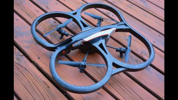 RC AVANTURE – Flying RC DRONE – Parrot AR 2.0 – An iPAD Controlled Wi-Fi Camera Quad Copter