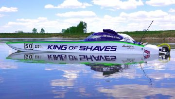 RC 冒险 – 50″ KiNG OF SHAVES – RC Race Boat – 7.4HP Gas Powered