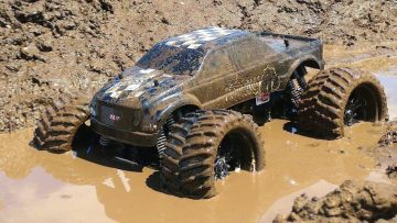 RC ADVENTURES – Muddy Monster Truck & Smoke Show – Chocolate Milk & a Slice of Mud