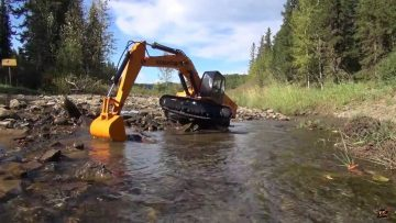 AVVENTURE RC – GOLD Prospecting with an RC 1/12 Scale Earth Digger 4200XL Hydraulic Excavator: