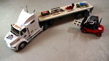 AVVENTURE RC – Graveyard Shift – Loading & Transport with 1/14th Scale Forklift
