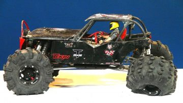 AVENTURAS RC – G-MADE Air Filled Rims on Black Widow (Custom Axial Wraith)
