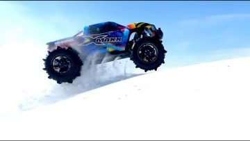 PADDLE TIRES 8S (30v) ELECTRIC TRAXXAS XMAXX MONSTER TRUCK BASHING in DEEP SNOW | AVENTURES RC