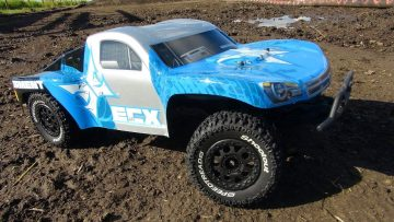 AVENTURES RC – Great first Radio Control truck – ECX Torment 2wd RTR Short Course Truck