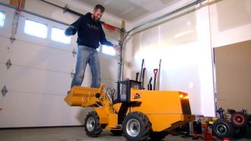 AVENTURES RC – 500lb Hydraulic RC Wheel Loader Lifts Me – 24v Electric Power