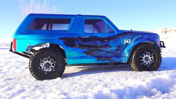 RC ADVENTURES – TRAXXAS SLASH ULTiMATE 4×4 – 342 FORD BRONCO – W/ ESS-One Sound Kit