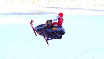RC 冒险 – Snapped in Half on a Hill Jump – Electric Snow Mobiles (Radio Controlled)