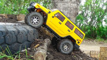 RC ADVENTURES – GiANT BACKYARD 1/10 scale TRUCK PARK! Trailing with a HUMMER H2!