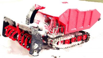 RC SNOW KAT goes to WORK Clearing a Path! SPYKER KAT & Blower w/ DUMP Bed | AVENTURAS RC