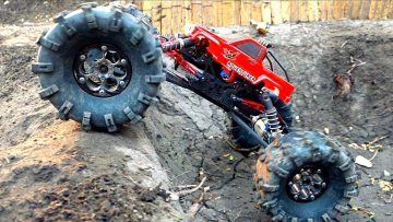 MASSIVE TIRES + Toyota Body ='s a MONSTER TRUCK! MOA in the Backyard Scale Park | RC AVONTUREN