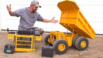 How does this Huge Dump Truck WORK?! 797F Metal Haul/Mining Truck RC4WD | RC AVONTUREN