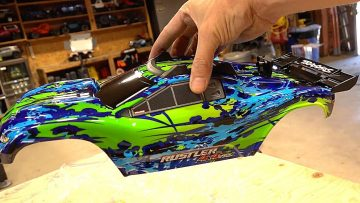 UNBOXiNG the NEW TRAXXAS RUSTLER 4X4 VXL! | AVVENTURE RC