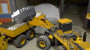 RC CONSTRUCTION SITE, K 700 AND 20 TONS TIPPTRAILER