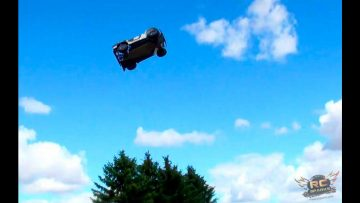 RC ADVENTURES – LOSi 5ive T (5T) 4X4 25 Foot Jumps – & REDCAT XBe