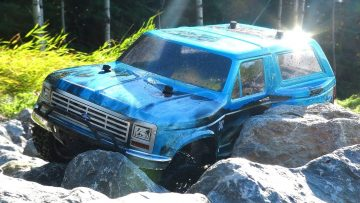RC AVONTUREN – Traxxas Slash 4×4 Ultimate Rock Crawling Radio Control Trail Truck?!