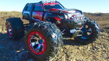 PRZYGODY RC – TRAXXAS SUMMiT RUNNiNG ViDEO – 4×4 RC Truck with New Body Graphics!