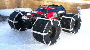 RC AVENTURI – FLOATiNG TRAXXAS SUMMiT – iCE Chains & Floating RC TiRES