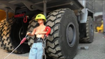 RC CONSTRUCTION | And the bad repair of the road | Amazing RC Action!