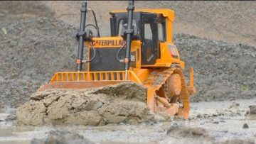 HEAVY RC CONSTRUCKTION VBEHICLES ! LIEBHERR R970! VOLVO A45G! KIROVETS K 701 IN ACTION