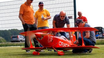 PITTS CHALLENGER III ORACLE RC SCALE MODEL AIRPLANE DEMO FLIGHT / Pitts Meeting Vechta Germany 2016